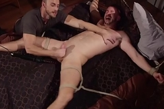 Cumcontrolled ricochet boundary gay acquires a handjob hard by dom