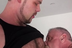 Juvenile bear barebacks papa with creamed cock