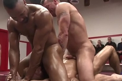 Muscular wrestling hunks cocksucking four way