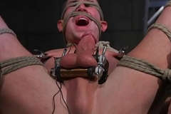 Tiedup gay hunk plays electro cbt games